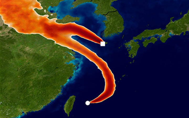 Simulated atmospheric transport of CFC-11 to the Gosan and Hateruma monitoring sites using the Met Office NAME model. The colours show areas where emission sources would strongly impact the CFC-11 measurements for one day in December 2014.