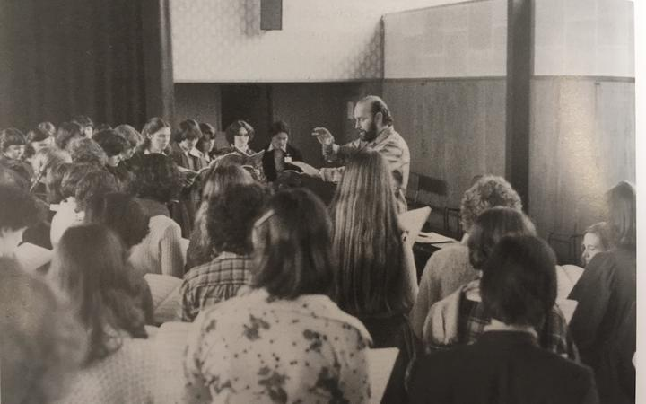 Dr Guy Jansen conducting the first rehearsal of the NZ Youth Choir in 1979