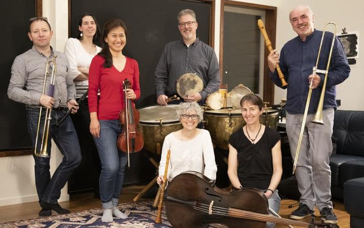 Charmant New Wellington Baroque Group The Queenu0027s Closet | RNZ