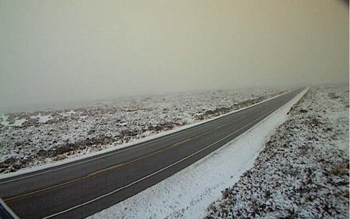 Snow affects roads and rain, strong winds arrive for holiday weekend