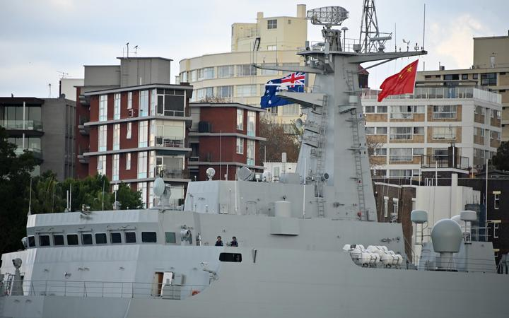 Three Chinese warships arrive in Sydney Harbour | RNZ News