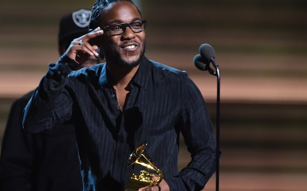 Recording artist Kendrick Lamar recieves the award for the Best Rap Album, To Pimp A Butterfly during the 58th Annual Grammy music Awards in Los Angeles February 15, 2016.