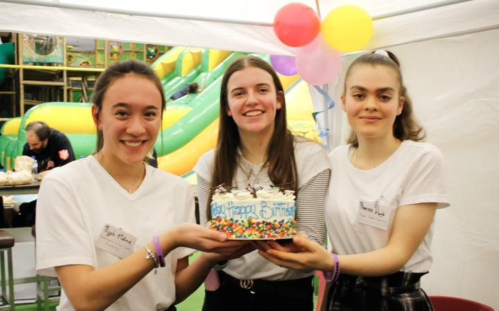 Teens start company to provide disadvantaged children with birthday parties