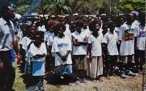 School children at the Bougainville Peace Agreement celebrations in Arawa in 2001