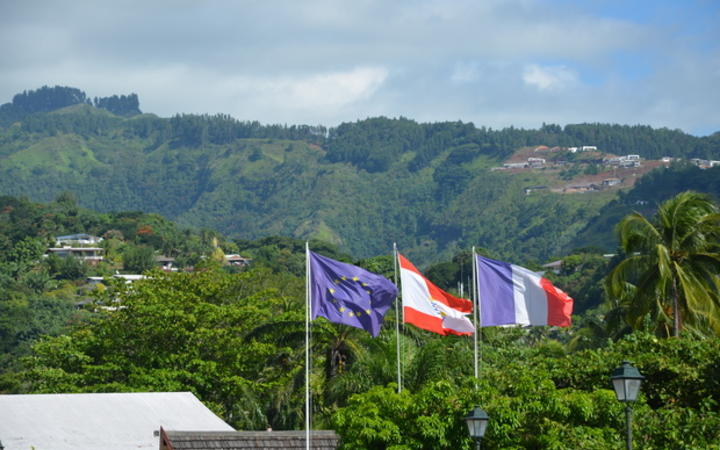 The flags of French Polynesia, The EU and France