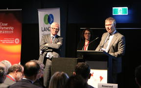 Former trade minister Tim Groser and David Parker, Minister of Trade and Export Growth answering questions. In the middle is Stephanie Honey, associate director of NZ International Business Forum, who was the MC of the conference.