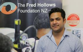 Tongan doctor, Antonio Taufaeteau, who is studying at the Pacific Eye Institute