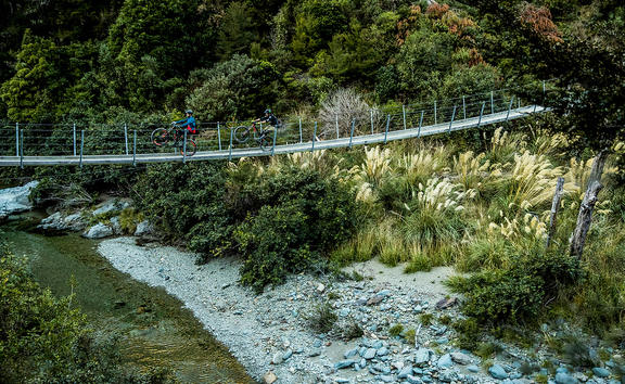 Scott Chasing trail with Brendan Fairclough and Andrew Neethling in Nelson.
