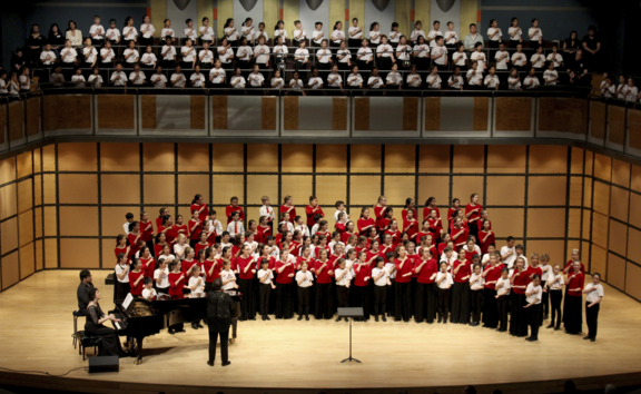 Elise Bradley and the Toronto Children's Chorus