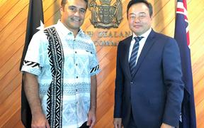 NZ High Commissioner to PNG, Philip Taula and the WHO rep in PNG DR Luo Dapeng