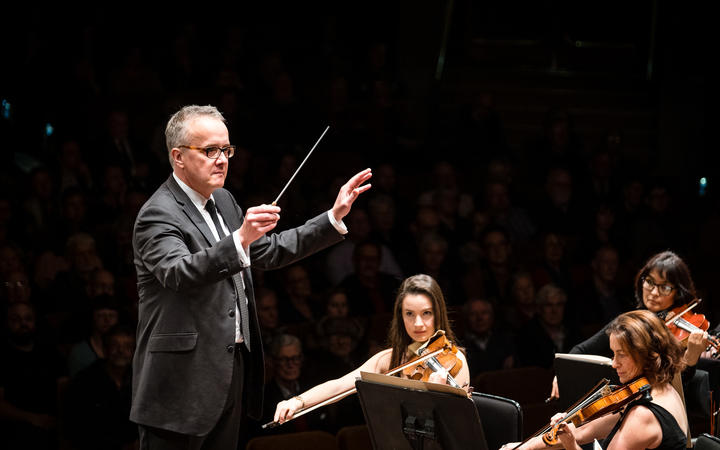 Marc Taddei conducts Wellington Orchestra