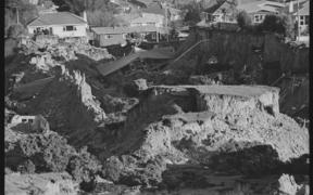 Landslide at Abbotsford, Dunedin, showing wrecked houses