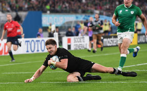 Beauden Barrett scores a try.