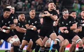 New Zealand's players perform the haka before the Japan 2019 Rugby World Cup quarter-final match between New Zealand and Ireland at the Tokyo Stadium in Tokyo on October 19, 2019. (Photo by Kazuhiro NOGI / AFP)