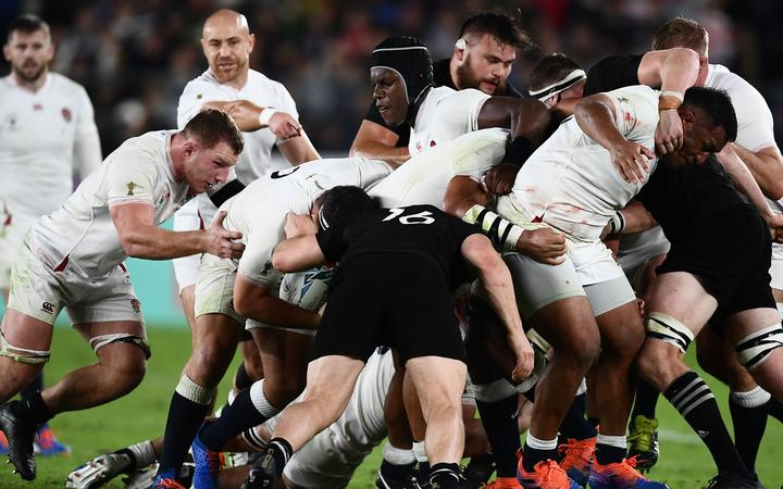 England's  and New Zealand's players take part in a maul during the Japan 2019 Rugby World Cup semi-final match between England and New Zealand at the International Stadium Yokohama in Yokohama on October 26, 2019.