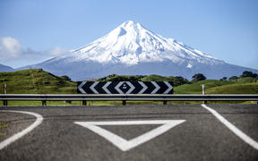 PHOTO: Andy Jackson Photographer.   Mt Taranaki taken from the corner of Stent road and SH45.
