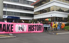 Protesters outside the OMV offices in New Plymouth on 2/12/19.