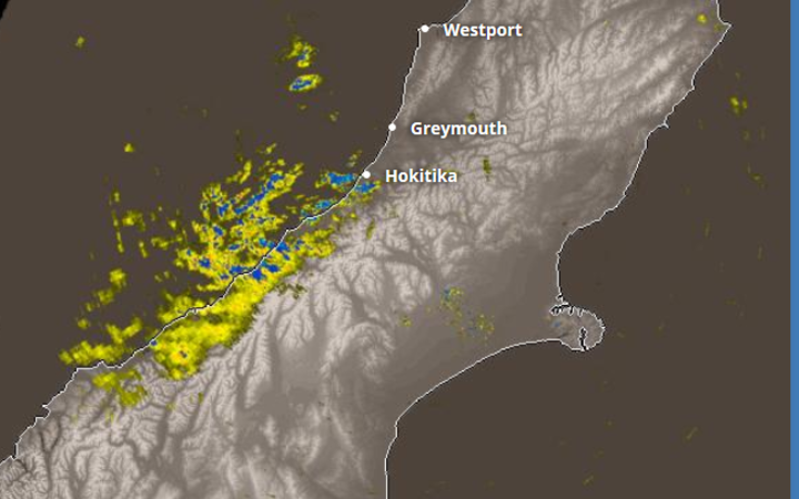 Buller Rain Radar shows heavy rain continuing overnight for the West Coast as Fire and Emergency and Civil Defence prepare.