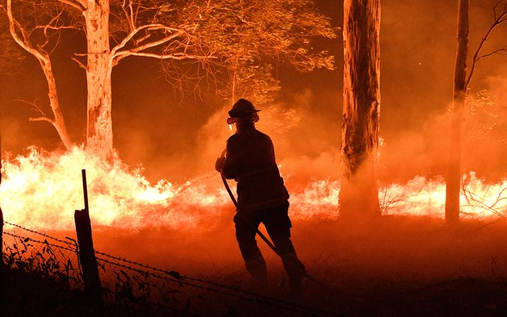 Australia bush fires: New Zealand, Fiji defence forces head to tackle the blazes