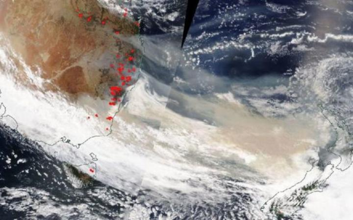 A satellite image showing smoke travelling towards New Zealand on 5 January