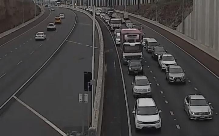 Heavy congestion at Waterview Tunnel.