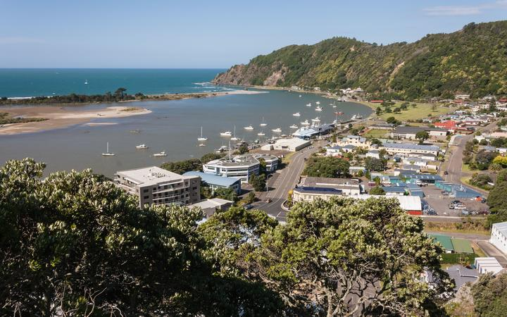 Some businesses in Whakatāne are having a poor summer because tourists have stayed away during their busiest time of year.