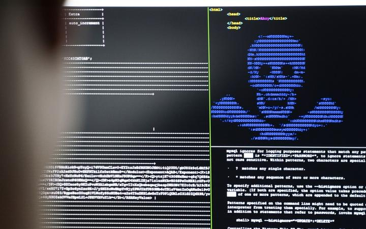 "04 December 2019, Hessen, Darmstadt: IT security scientists are training in the ""Cyber Range"" room in the new ""Athene"" cyber security centre how infiltrated blackmail programs (""Ransomware"") can be rendered harmless."