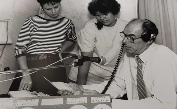 (L-R) Linden Clark, Elma MaUa and Ian Johnstone preparing for the launch of RNZ International now RNZ Pacific in 1990.