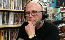Dave Dobbyn talking about the qualities of vinyl with Melody Thomas of Music 101