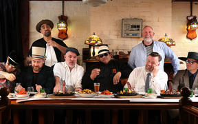 Fat Freddy's Drop (Ian Gordon 2nd from left)