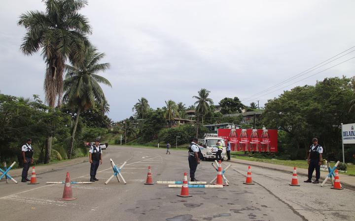 Fiji police man checkpoints into Suva