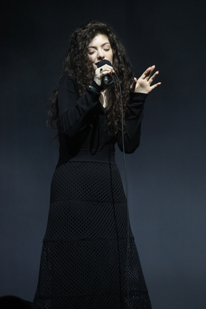 Lorde performs live at the VNZMA show by Jason Hailes