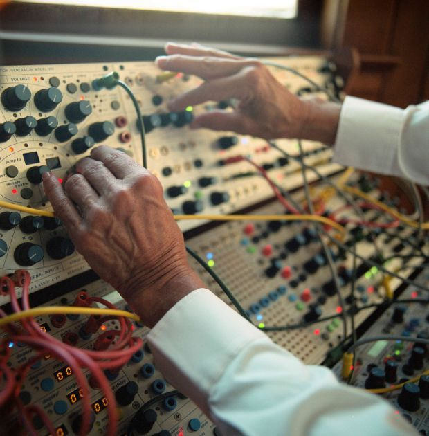 Suzanne Ciani at work on the Buchla synthesiser