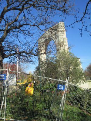 Christchurch bridge remembrance fence resized