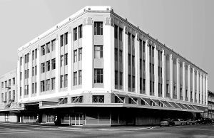 Majestic Theatre by Canterbury Heritage from Te Ara Flickr Pool Ministry for Culture and Heritage via DNZ Share mod