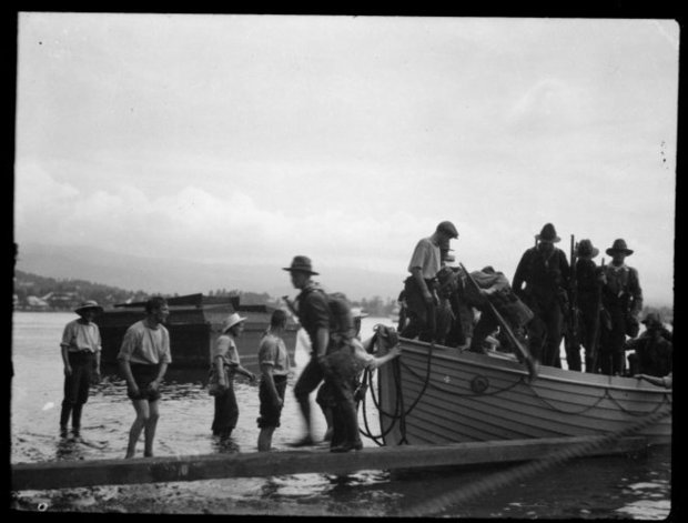 New Zealand troops arriving to annex Samoa for Britain ALT Ref F