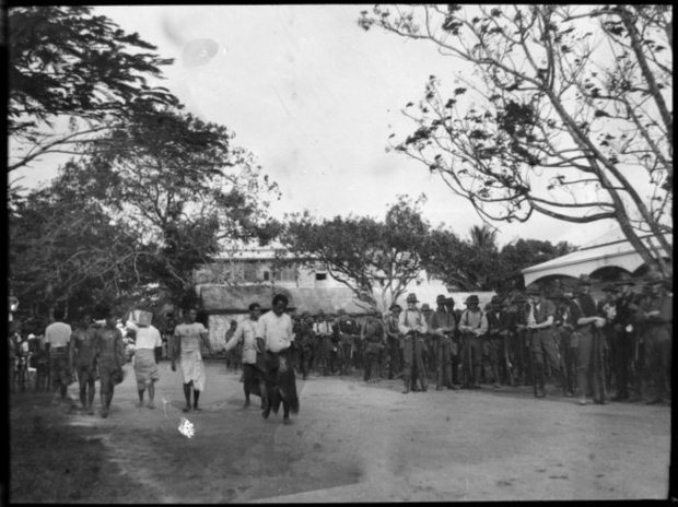 Street scene showing New Zealand troops and a Samoan group ATL Ref F