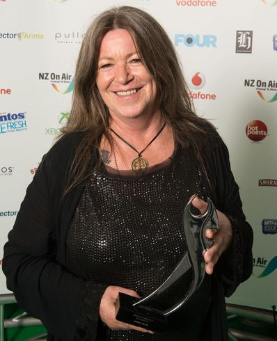 NZMA Shona Laing and award courtesy NZMA