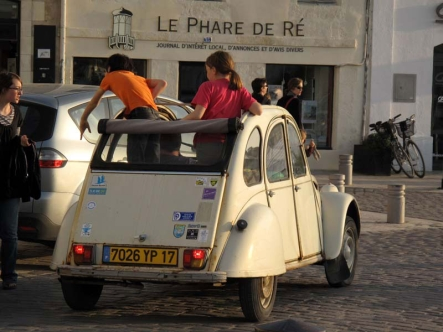 Open-top Citroen, St Martin de R�.