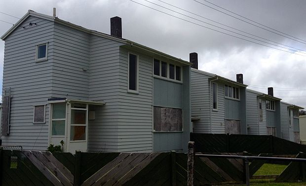 boarded up housing harzard grve cannons creek