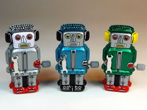 Wind up tin robot toys CC BY SA D J Shin