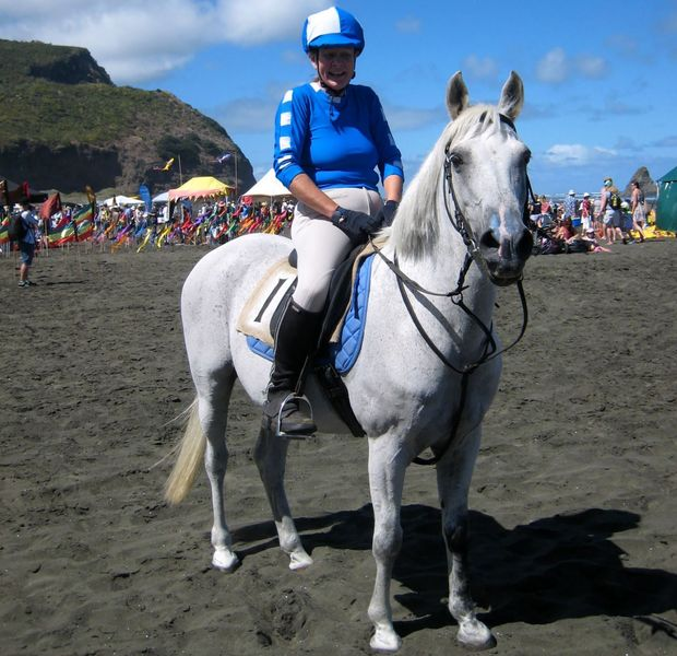 Karekare beach race cropped