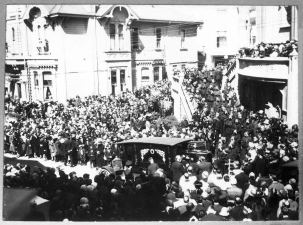Creche Suzanne Aubert s funeral in was widely reported to be the largest funeral ever accorded a woman in New Zealand