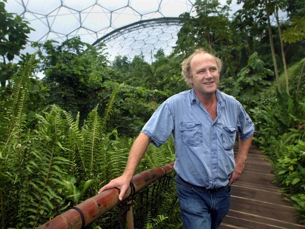 tim smit in rainforest biome steps