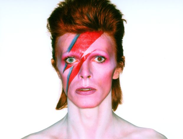David Bowie cover shoot for Aladdin Sane