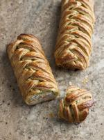 Pg Chunky Chicken Apricot Spinach Pastry Plaits