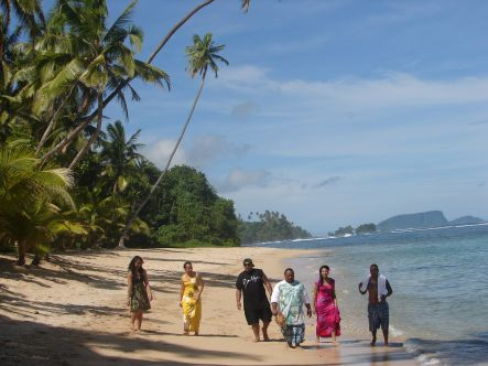 Deceptikonz, Miss Samoa and friends on island time
