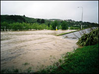 Flooding side