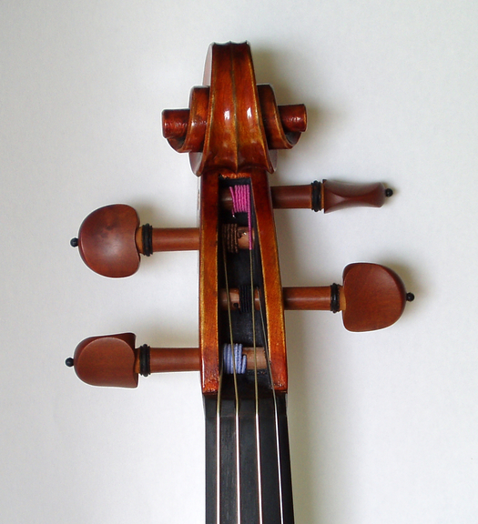 Small pegs of viola