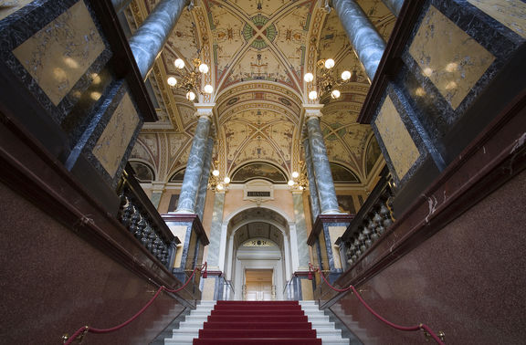 Small dresden   main entrance hall semper opera house   2463